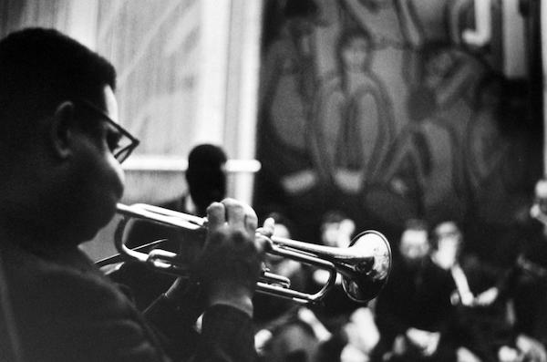 Jan Yoors - Dizzy Gillespie at Yoors' studio loft, 1962