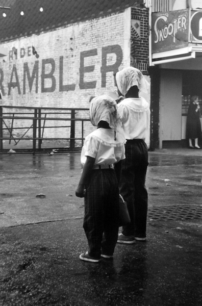 Jan Yoors - Untitled (Sisters in rain, Coney Island), 1962