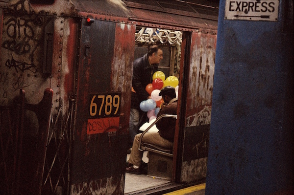 Frank Horvat - New York, Balloons in the Subway, 1984