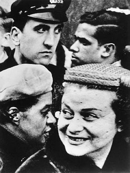 William Klein - 4 Heads, New York, 1955