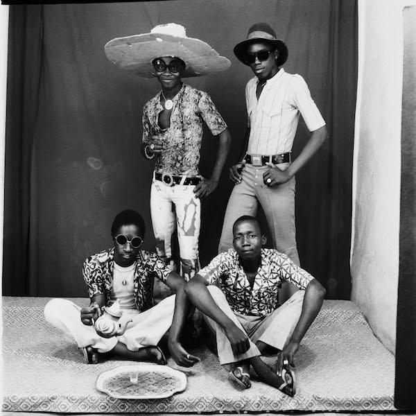 Malick Sidibé - Amis des Espagnols, 1968