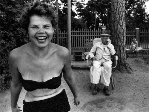 William Klein - Bikini, Moscou, 1959