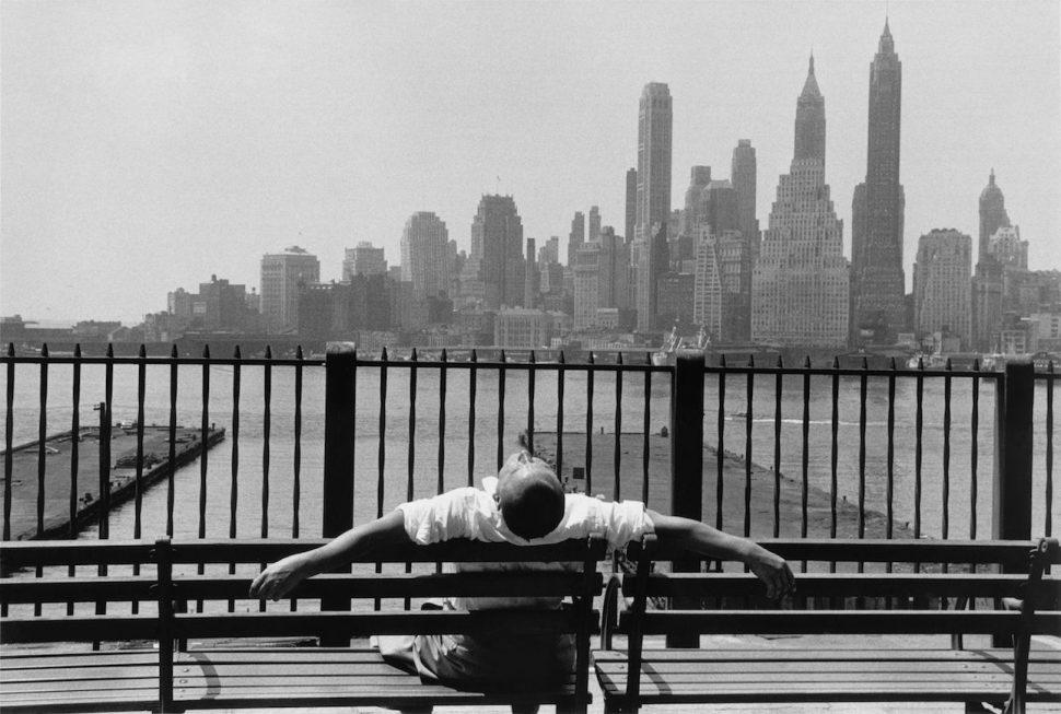 Louis Stettner - Brooklyn Promenade, Brooklyn, 1954