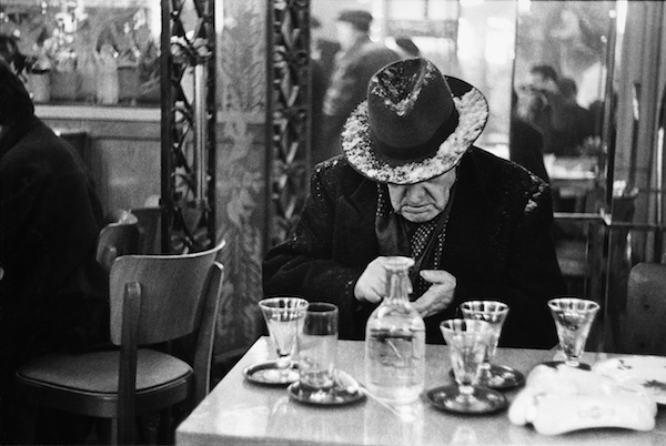 Louis Stettner - Christmas Eve, Ile St. Louis, 1950-51