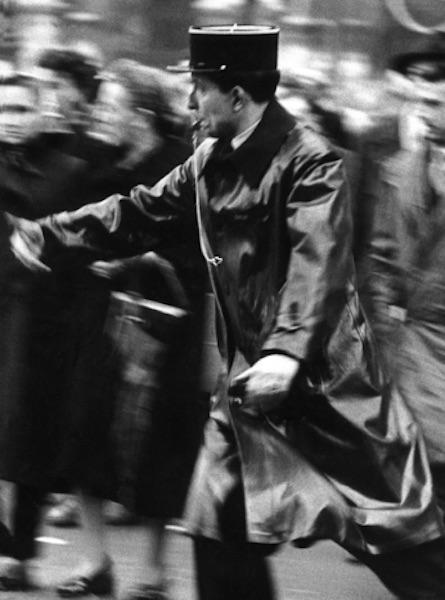 Frank Horvat - Paris, Flic, 1956