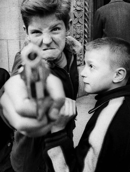 William Klein - Gun 1, New York, 1955