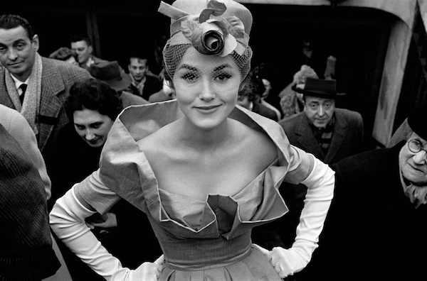 Frank Horvat - Paris, Monique Dutto at métro exit, JDF soir, 1959