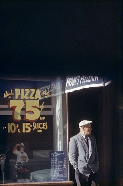 Saul Leiter - Pizza Paterson, 1952