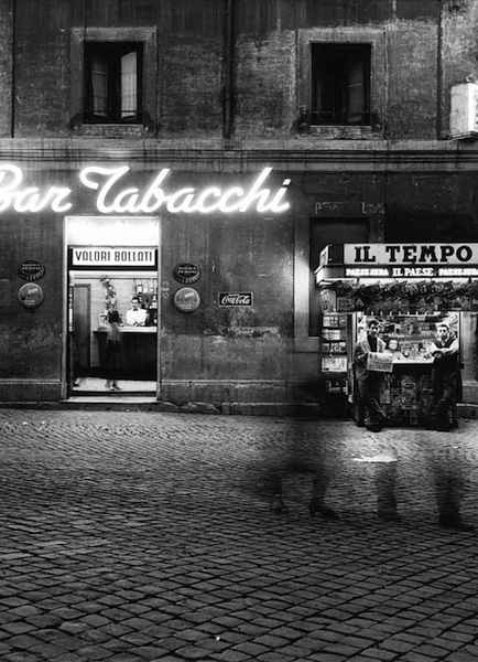 William Klein - Summer evening, via di Monserrato, Rome, 1956