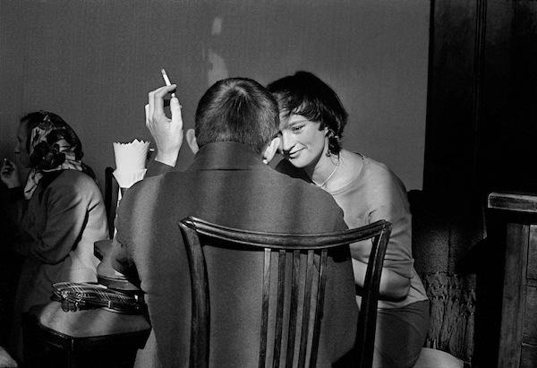 Frank Horvat - Warsaw, Couple in a café, 1963