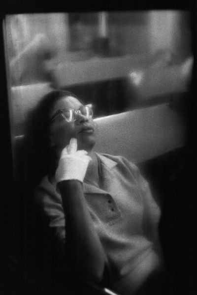 Louis Stettner - Woman with White Glove, Penn Station, 1958