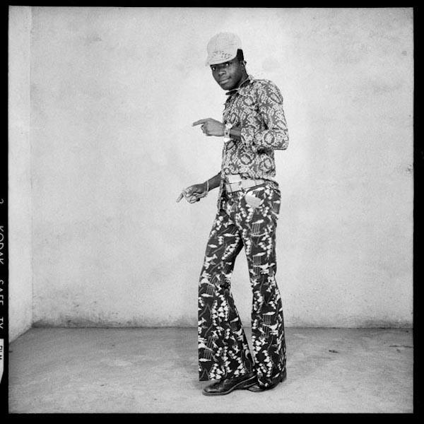 Malick Sidibé - Au cours d'une soirée, les positions, 1964