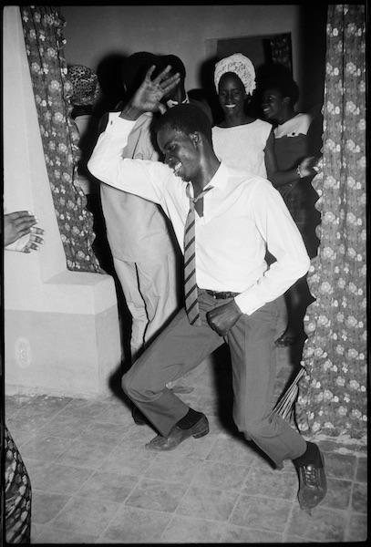 Malick Sidibé - Danseur méringué, 1964