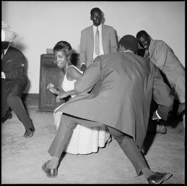 Malick Sidibé - Danser le twist, 1965