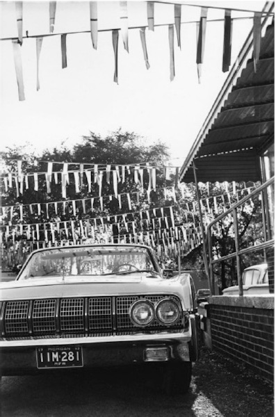 Lee Friedlander - Detroit, Lincoln Continental, 1963