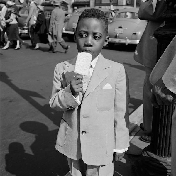 Vivian Maier - New York, NY, April 10, 1955