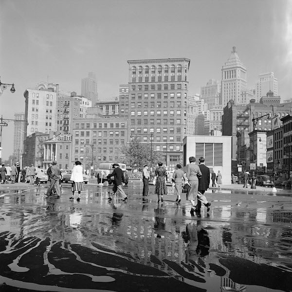 Vivian Maier - New York, NY, September 26, 1954