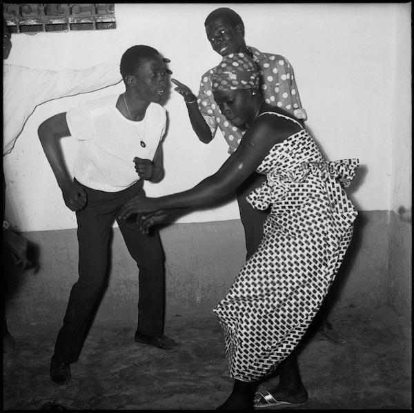 Malick Sidibé - Qui danse le mieux, 1965