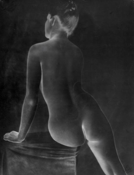 Erwin Blumenfeld - Untitled, 1943