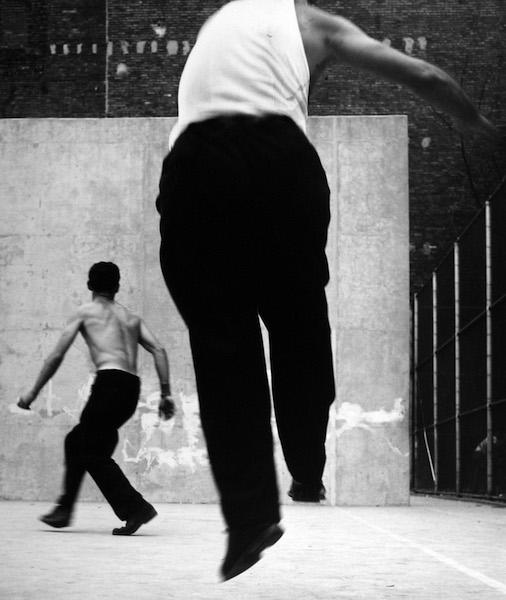 Leon Levinstein - Handball Players, Houston Street, New York, 1955