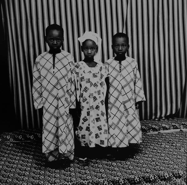Malick Sidibé - Les frères et soeur, 1974