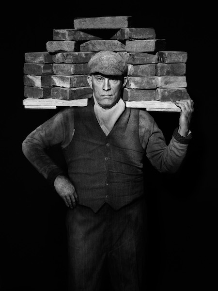 Sandro Miller - August Sander/ Bricklayer (1928), 2017