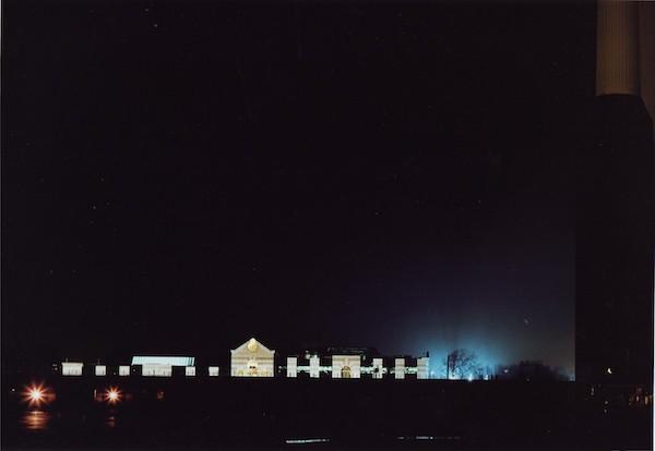 Axel Hütte - London, Battersea Power Station, England, 2001
