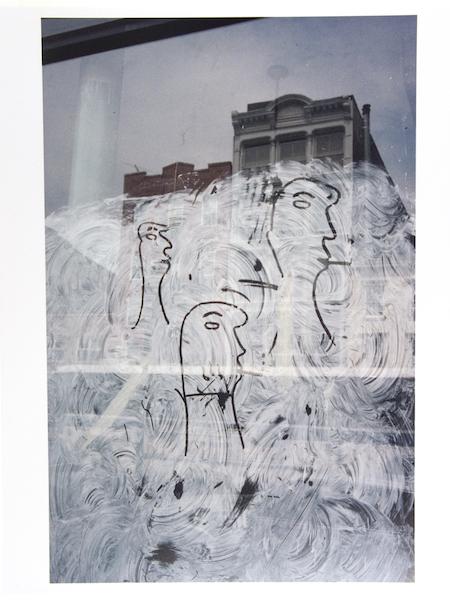 Saul Leiter - Graffiti Heads, 1950