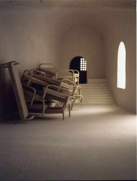 James Casebere - Tall Stack of Beds, 1997