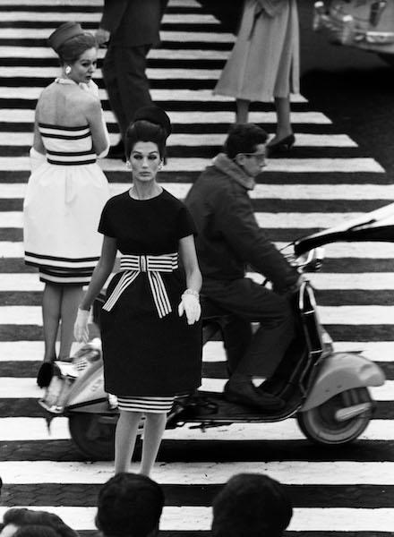 William Klein - Nina + Simone, Piazza di Spagna, Rome, Vogue, 1960