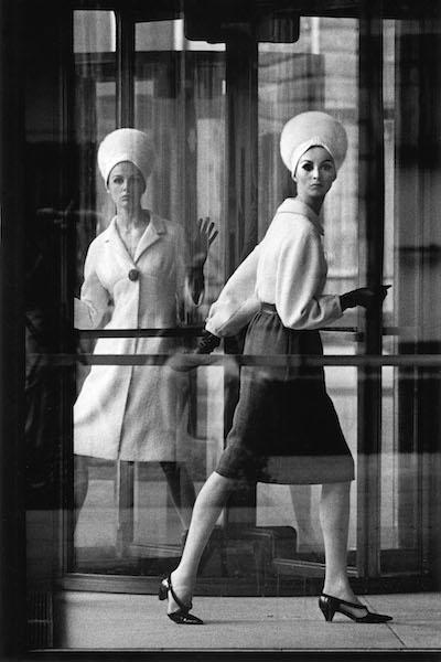 William Klein - Tilly + Wilhelmina, Park Avenue, New York, 1963
