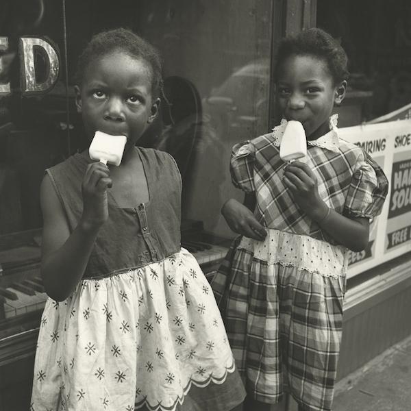 Vivian Maier - New York, NY, 1954